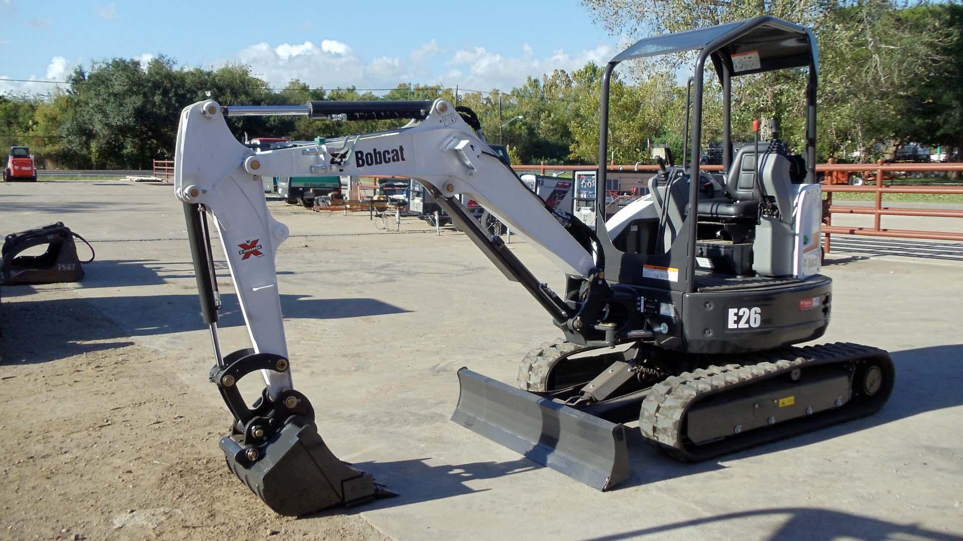 Best services of bobcat, excavators, doosan, and waterewell machines
